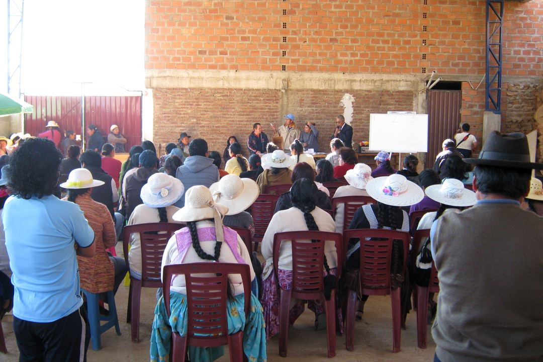 Assembly of the community María Auxiliadora preparing to elect their directorship